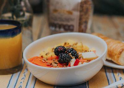 granola gallina crestazul desayuno